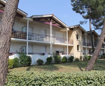 Location Appartement avec balcon  pièces  () - Secteur calme et arboré