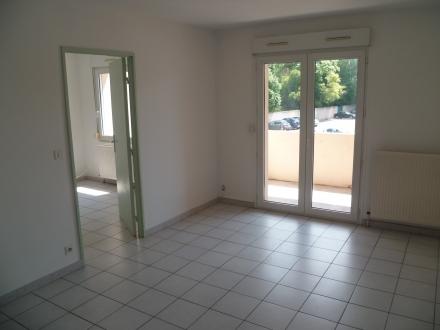 Location Appartement avec balcon 3 pièces L'Isle-sur-la-Sorgue (84800) - avec ascenseur proche du centre